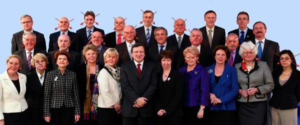 La última foto de familia, desfasada desde hace unos meses, con los comisarios que seguirán.
